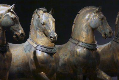 ven_four-horses_blo-image-1