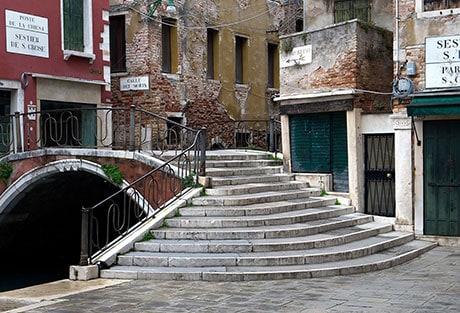 G32 Venice Street Scenes