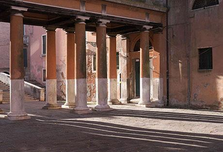 G9 Venice Columns