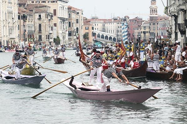 Mens gondolini race at the Regata Storica, Venice